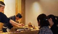 想東山再起 台灣該學壽司之神