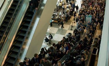 電扶梯職場觀:踩著同事才能升遷