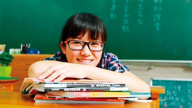 李芹妙上台大,並非靠多才多藝,而是念書融會貫通;她每天運動,培養專注力。