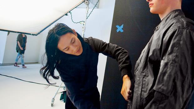熟悉時尚產業每個面向的王大仁,就連選模特兒也很有眼光,他選中的模特兒,日後往往知名度大漲,從王大仁秀場發跡的模特兒,也成為他忠實粉絲。