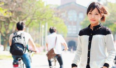 台大化學工程學系助理教授 游佳欣