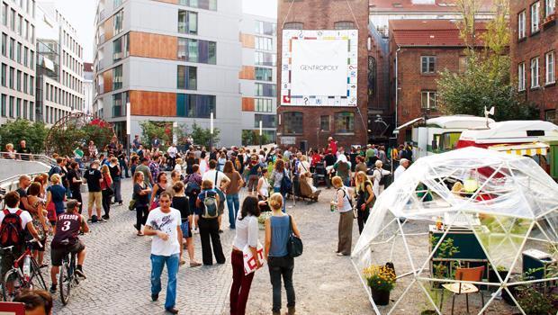 三溫暖、學童畫展、舞蹈教室,一座百年社區成為漢堡市區的新熱點,城市魅力也由此而生。
