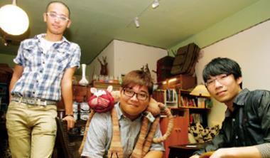 台大法律系二年級胡庭碩(中,口述者);台大財金研究所三年級詹益昇(右);台大政治系三年級黃威愷(左)。