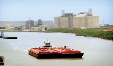 休士頓南方自由港天然氣進口站,5月17日正式取得美國能源部批准,改為出口頁岩氣專用港。