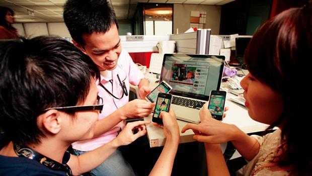 即使遊戲平台已轉移至手機,玩家還是愛玩線上遊戲。去年台灣線上遊戲產值約260 億元,但這塊餅已被中國遊戲廠商瓜分。