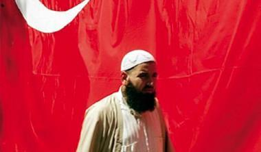 在阿拉伯國家,嘴上無毛恐有社交困難之虞。