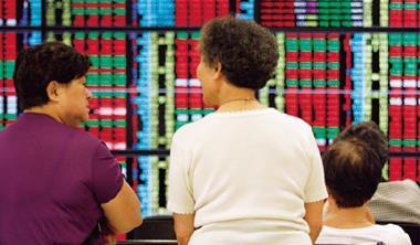 指數大幅回檔後,投資人宜等待籌碼沉澱,布局有旺季行情的個股。