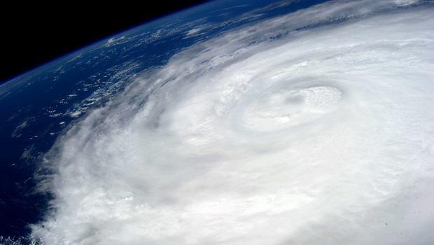 颱風來襲停止上班上課 英文怎麼說? - 商業周刊