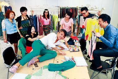 聚陽每5名員工就有1名碩士,其中,商品開發設計團隊更有1/3畢業自美國紐約FIT、帕森設計學院等名校。