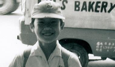 1976 年,老爸發明的蘋果麵包紅遍全台。