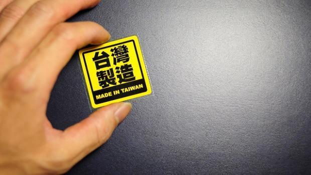 長榮竟找「媽媽」回來當空姊!勞動力這麼缺,年輕人「留在台灣」最有優勢