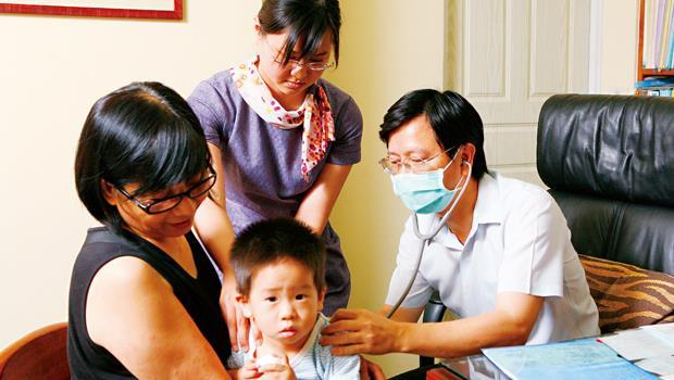 門診量不足,造成新竹各醫院因開不成兒童門診,改由各院輪流看診,讓新竹兒童勉強「有醫院」可看。