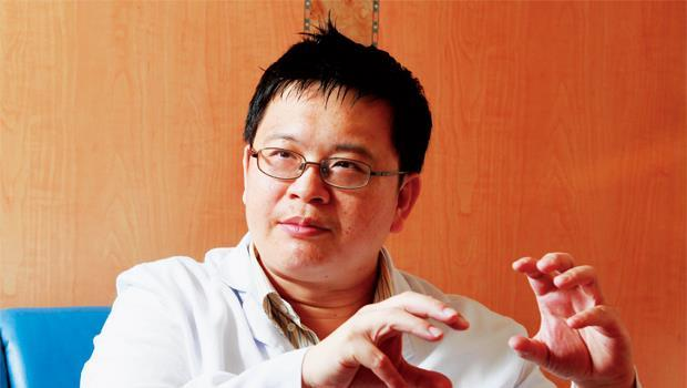 新店耕莘醫院泌尿科主任、台灣尿失禁防治協會秘書長 廖俊厚