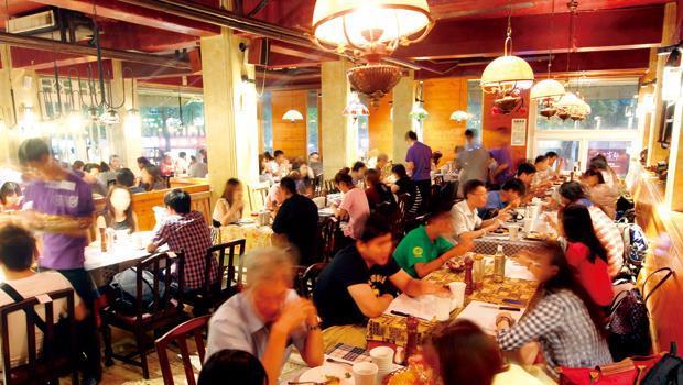 十六種排餐,可搭配出上千種組合,複雜化的菜單,建立洋蔥體系不易被淘汰的門檻。