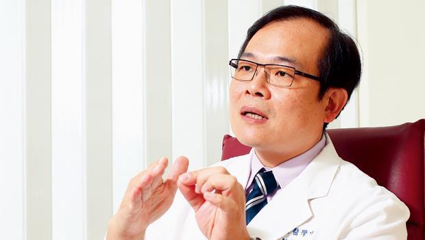 三軍總醫院骨科部科主任、國防醫學院骨科學系副教授 莊仕勇