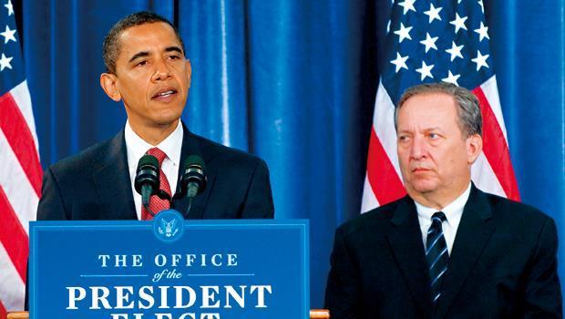 歐巴馬(左)和桑默斯(右)交情匪淺,歐巴馬不僅在決策上仰賴他的經濟長才,兩人私底下也常一起打小白球。