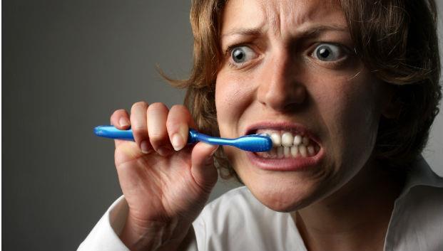 關於蛀牙,大部分的人想錯了》牙醫:刷牙根本無法預防蛀牙