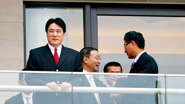 統一總經理羅智先(圖左)前年即宣布,3年內要投資人民幣120億元(約合新台幣580億元),加速擴充中國版圖,人才也得跟上腳步。