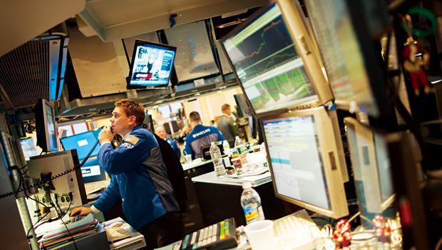 全球市場都在屏息等待美國朝野針對調高舉債上限的談判進度,預料最後一刻仍會過關。圖為紐約證交所。