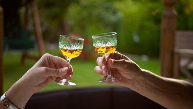 揭穿酒商不能說的秘密:「適量飲酒」真的有益健康?