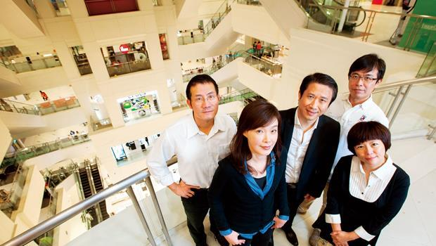 5 年前被新加坡業主購併的台茂,在總經理苗延梅( 左2) 等原班人馬經營下,營收屢創新高。