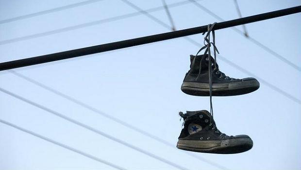 丟出一隻鞋之後的台灣:嚇跑人才,留下廢材 - 商業周刊