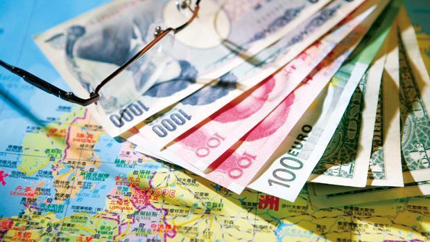 澳幣、南非幣計價的債券基金,配息率雖高於美元、歐元,但換匯成本也相對較高,較適合有相關外幣者投資。