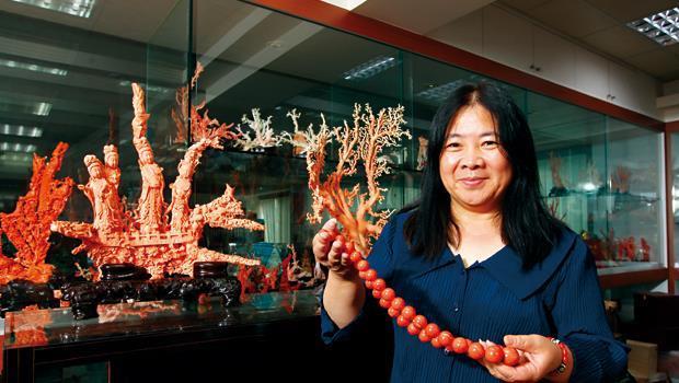 綺麗珊瑚董事長 洪明麗