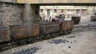 中國失速真相:千億煤炭大城1年內就瀕臨破產