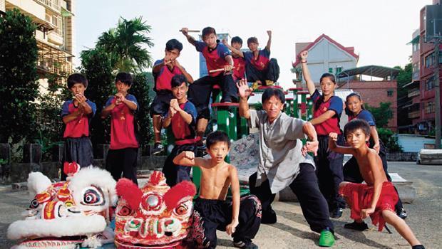 長興武館總教練呂美吉(右4)