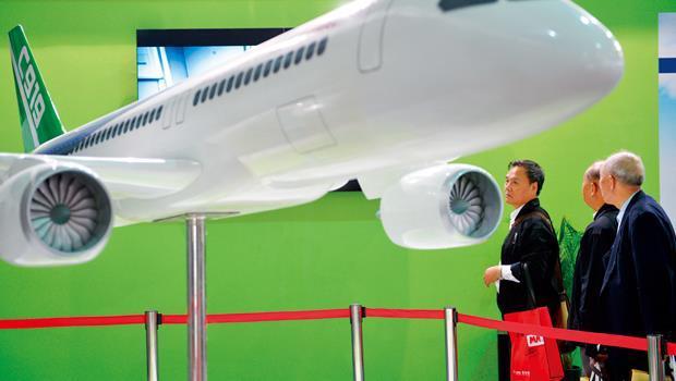 中國為在航太領域和歐美較勁,注資30 億美元造大型客機。