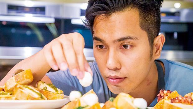 對阮振吉來說,吃,不只是味道,更是視覺刺激。做好料理,最大的樂趣在於怎麼擺得好看。