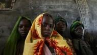 上學有多難?小學畢業的女孩竟比難產而死的女孩少