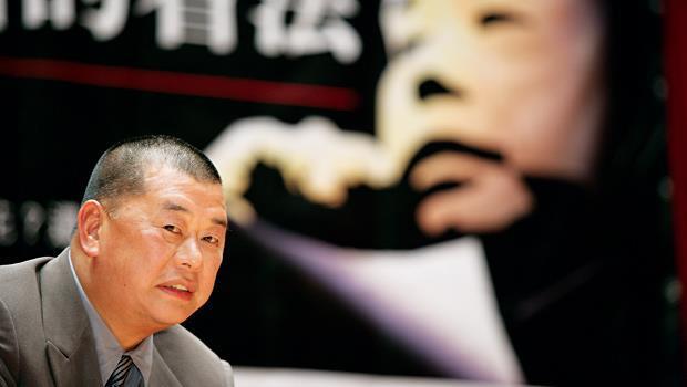 黎智英近年大手筆投資的電視、香港免費報都以認賠收場,最新入手的宏達電會讓他大賺或大賠,投資市場很感興趣。