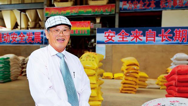 台農成功戰法:逆勢而為!趁豬價低迷時積極收購同業。〈圖為台農董事長李昭宏〉