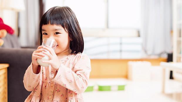 牛奶駭人 - 封面摘要 - 生活 - 商業周刊|商周