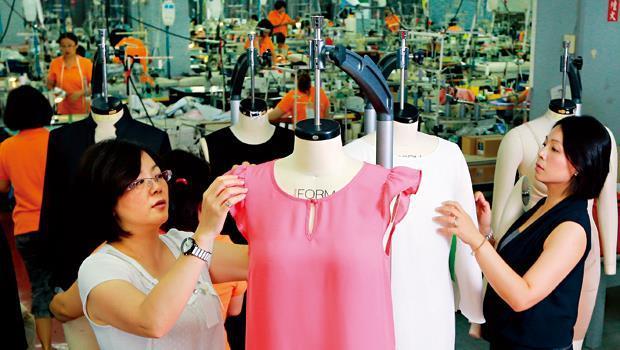 台灣成衣製作水準高,但一遇到關稅障礙,競爭力就比鄰近韓國弱了一截。