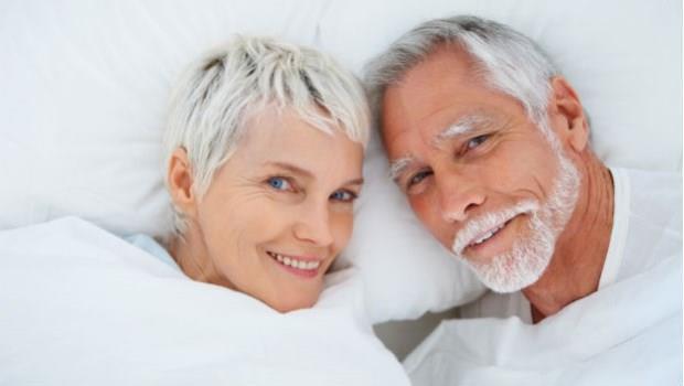 80歲爺奶傳授恩愛秘訣:睡覺不穿褲,到老都性福