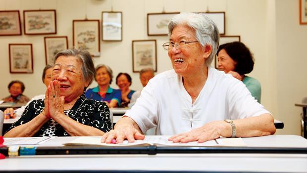 台灣僅1.3%長期照護安養機構被評為優等,政府應放鬆申請法令,把心力放在監督,長輩才有更多安享晚年的生活選項。