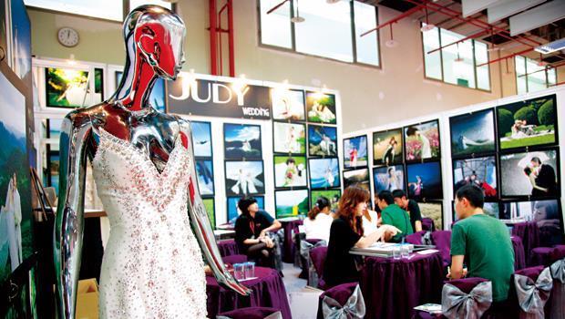 台灣婚紗業服務精緻、婚顧諮詢配套完整,攝影師更擅長用畫面說故事,有助搶攻對岸新人商機。