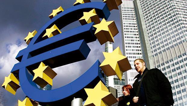 歐洲經濟步上復甦軌道,吸引大批資金重返歐股,但未來走勢和變數,投資人仍須觀察歐洲央行動向和經濟數據。