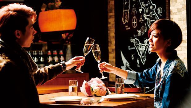 葡萄酒能佐餐,還能創造約會氣氛。