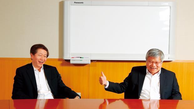 劉德音(左)與魏哲家(右)兩人一個沉穩內斂,一個快人快語,同任共同執行長,卻有互補性格,是台積電未來的第二把手。