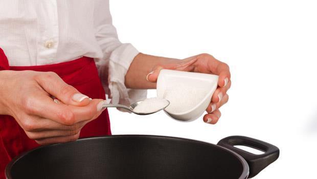 常吃鹹酥雞、洋芋片?太多「鹽」會變成毒!6個減鹽撇步,抗老又消水腫