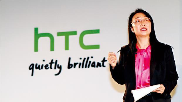 翻開中國企業家俱樂部的理事成員名單,王雪紅是唯一的台灣人。