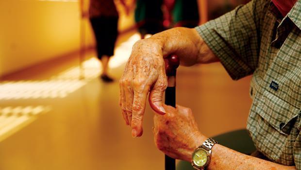 台灣邁入老人國,對養老院需求大,但,業界品質參差不齊,讓老人家陷入照顧風險。