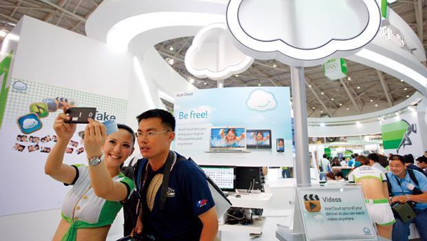 宏碁為求突破困境,宣示要往雲端上發展,成了台灣PC產業能否找到出路的觀察指標。