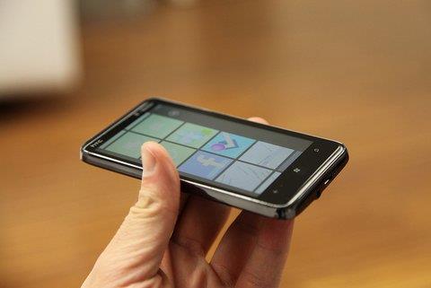 智慧手機愈多 工作機會愈少?