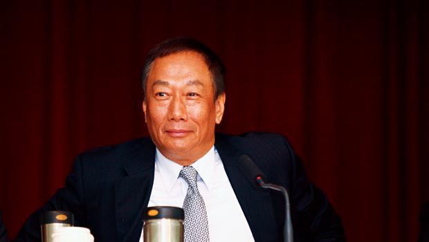 去年為股價叫屈的鴻海董事長郭台銘,今年將開懷大吃蘋果。