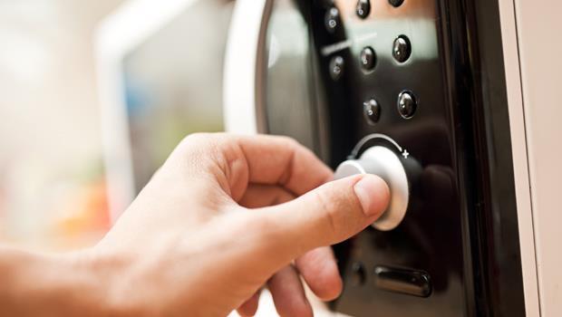 刮鬍刀、微波爐、電磁爐...家用電器的電磁輻射有多強?一次告訴你